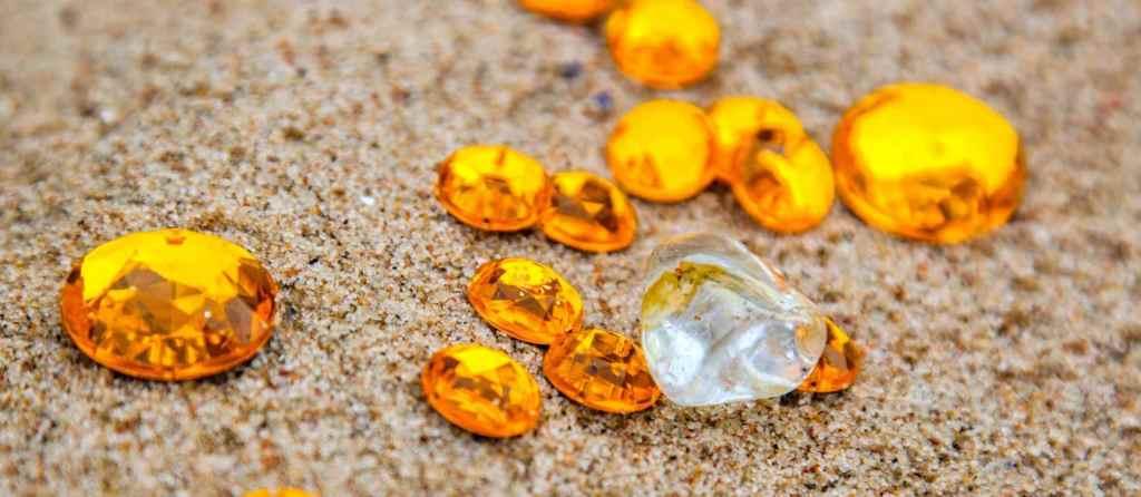 Topaze jaune pierre